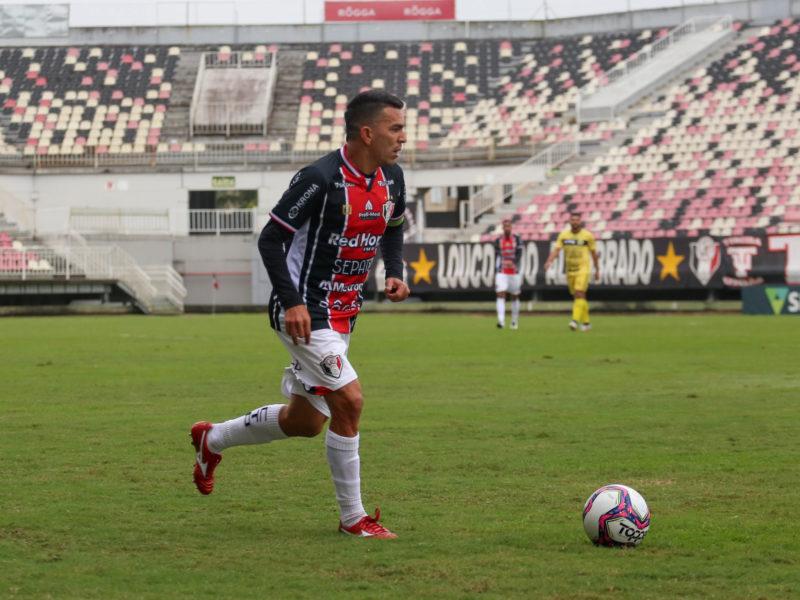Aos 35 anos, Edson Ratinho lidera uma equipe que quer fazer história – Foto: Vitor Forcellini/JEC/Divulgação/ND