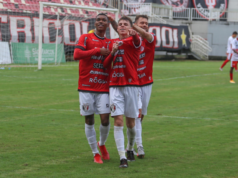 Thiago Juan entrou no intervalo e marcou o gol tricolor – Foto: Vitor Forcellini/JEC/Divulgação/ND