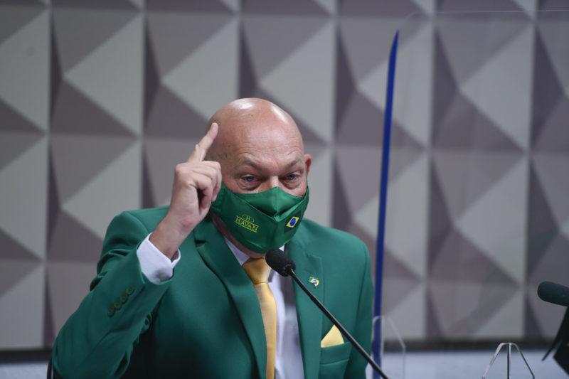 Empresário de SC, Luciano Hang, presta depoimento na CPI da Covid no Senado Federal, nesta quarta-feira (29).