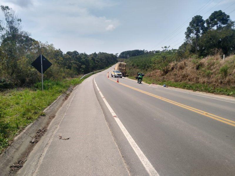 Mulher morreu em grave acidente em Rio Negrinho – Foto: PMRv/Divulgação
