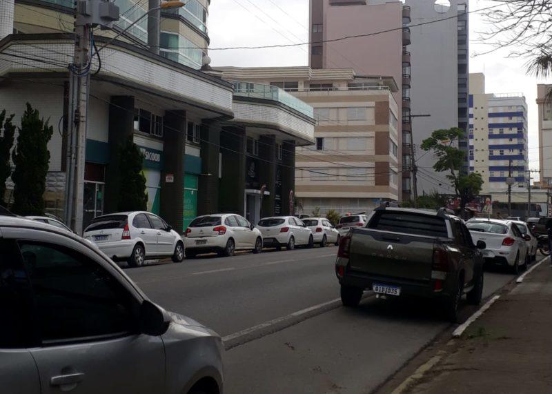 Agência no Centro de Balneário Piçarras foi assaltada na tarde desta sexta-feira (24) – Foto: Franciny da Silva/ND