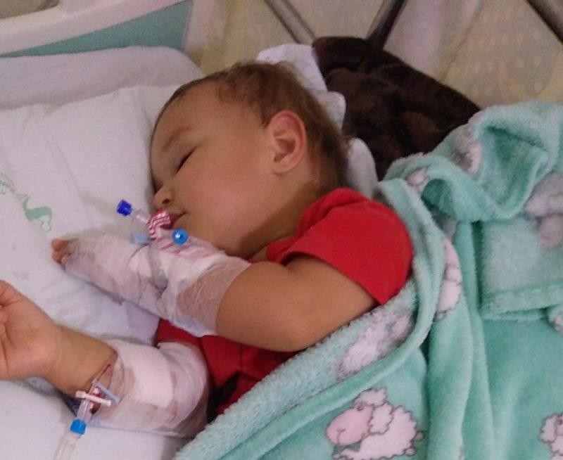 Pequeno Benjamin foi atendido e segue hospitalizado – Foto: Arquivo Pessoal/Paulo Henrique de Almeida Machado/ND