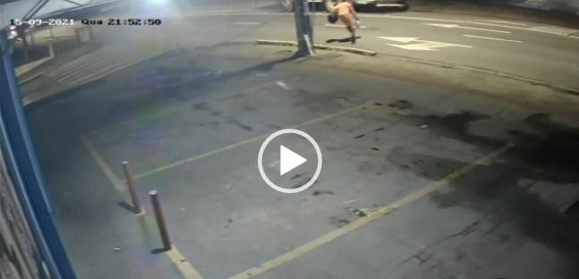 coletor de lixo é atropelado em JOinville