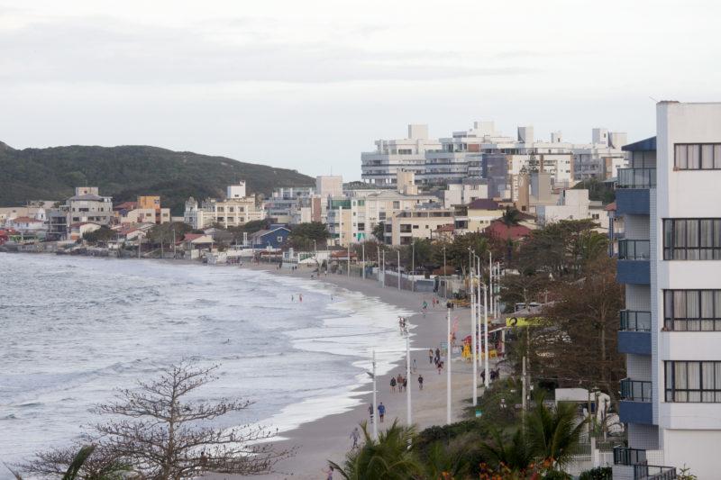 Praia dos Ingleses é uma das mais visitadas na Capital. Ela terá faixa de areia alargada – Foto: Leo Munhoz/ND