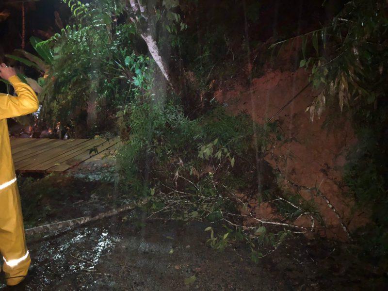Na região de Blumenau foram registrados alagamentos e deslizamentos – Foto: Divulgação/ND