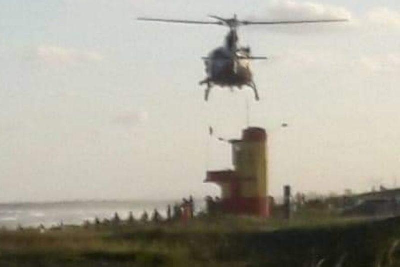 Helicóptero Águia participou das buscas ao jovem desaparecido no mar – Foto: Internet