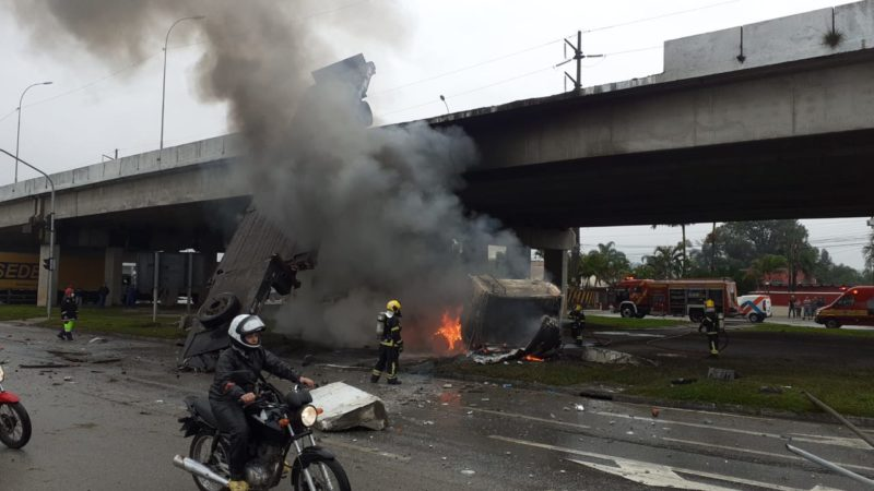 Fogo foi controlado por volta das 9h40 desta terça-feira (14) – Foto: PMSC/Divulgação/ND