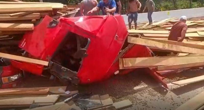 Acidente aconteceu no litoral sul, na BR-376, PR em sentido a SC – Foto: Internet/Reprodução