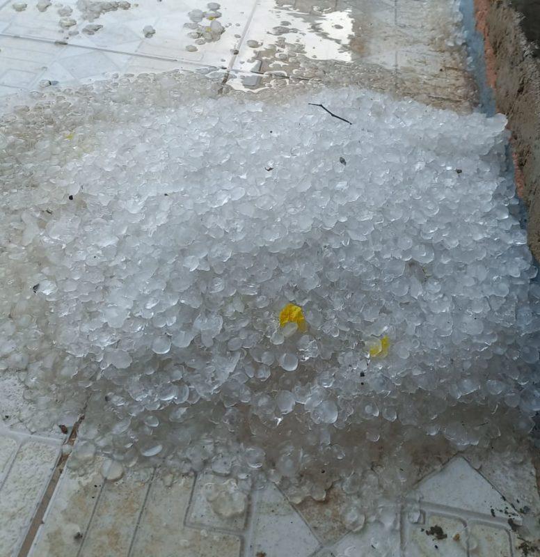 Chuva de granizo em Lages na tarde deste domingo (19) – Foto: Arquivo pessoal/ND