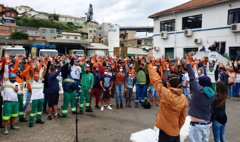 Trabalhadores da Comcap entram em greve – Foto: Reprodução/ND