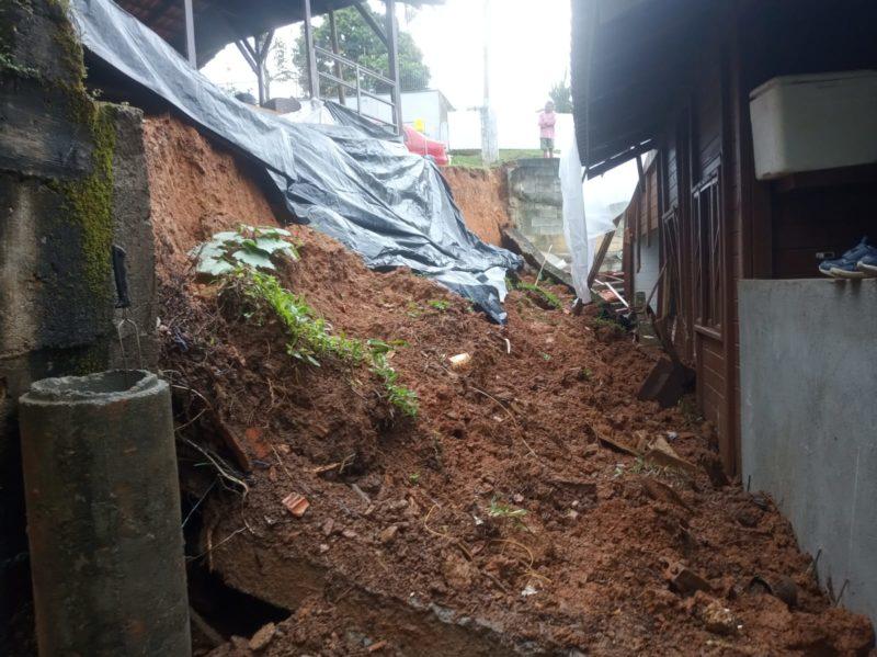 Defesa Civil interditou casa em Joinville na sexta (17)
