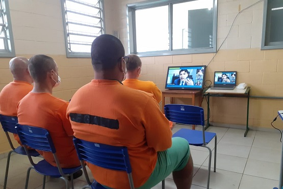Detentos assistem palestras da Jornada da Leitura na Penitenciária Industrial de São Cristóvão do Sul – Foto: TJSC/Divulgação/ND
