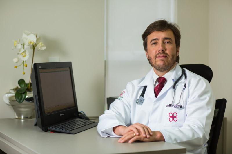 Dr. Ricardo Branco esclarece sobre evolução de exames e tratamentos – Foto: Lauro Maeda/ND