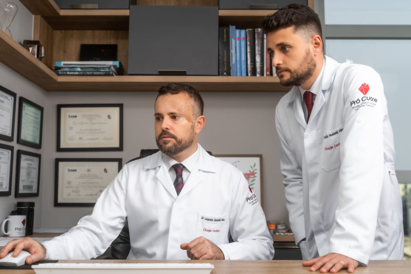 Irmãos Leopoldo Moratelli Neto e Lindolfo Moratelli Filho, cirurgiões cardiovasculares – Foto: Divulgação/Pró Cuore