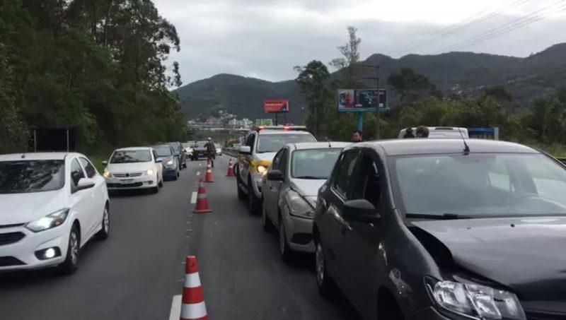 Acidente ocorreu por volta de 8h30 desta quinta-feira (23)– Foto: GMF/Divulgação/ND