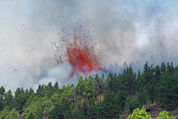 Vulcão Cumbre Vieja entrou em erupção neste domingo (19) – Foto: Reprodução/Internet