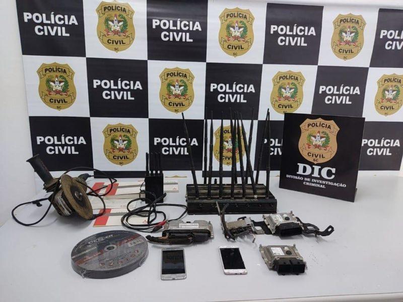 Equipamentos usados pela dupla foram apreendidos – Foto: Polícia Civil