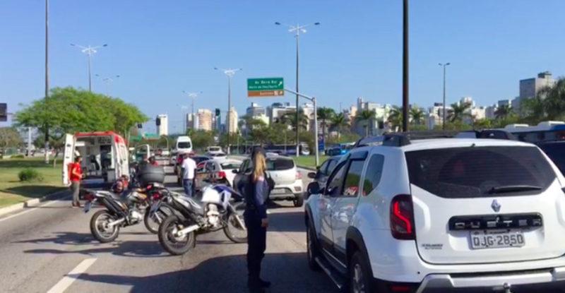 Homem, 54 anos, teve fratura exposta na perna esquerda após ser atropelado em Florianópolis – Foto: GMF/Divulgação/ND-atropelado-moto