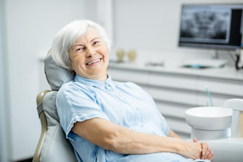 """<span style=""""font-weight: 400;"""">É importante procurar ajuda odontológica assim que detectar qualquer problema que demande intervenção e implantes dentários</span> &#8211; Foto: Divulgação"""