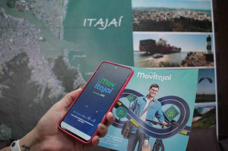 Aplicativo cria recompensas para motoristas que deixarem o carro em casa em Itajaí – Foto: Marcos Porto/Prefeitura de Itajaí/Divulgação