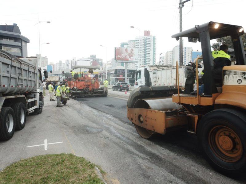 Até o momento, já foi realizado o recapeamento asfáltico em cerca de 20% da área, de acordo com a prefeitura – Foto: Leonardo Sousa/PMF/Divulgação/ND