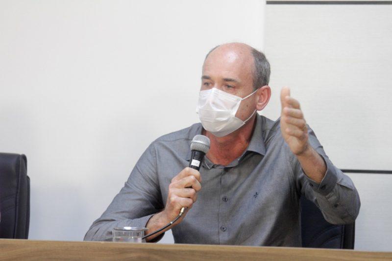 Diretor da Casan, Joel Horstmann apresentou projeto aos vereadores de São José