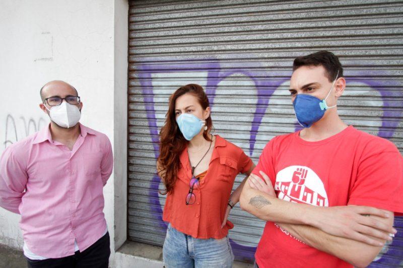 Integrantes do MLB, que atua há 21 anos no Brasil, explicaram as reivindicações do movimento em relação à moradia – Foto: Leo Munhoz/ND