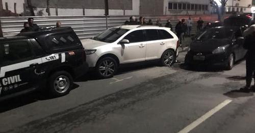 Durante megaoperação, viaturas da polícia são atingidas por motorista bêbada em Itajaí – Foto: Polícia Civil/Divulgação