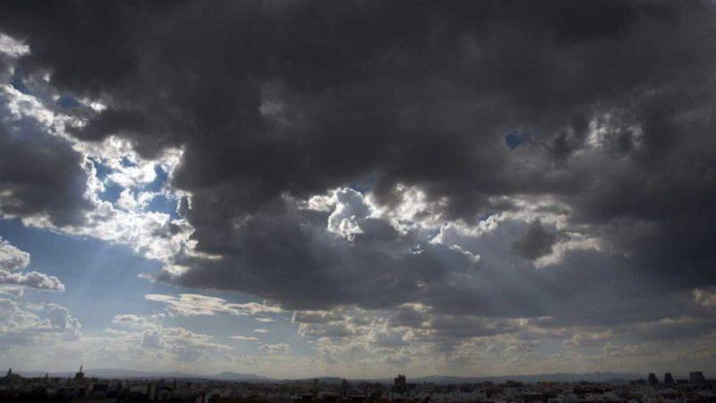 Céu aparece com muitas nuvens