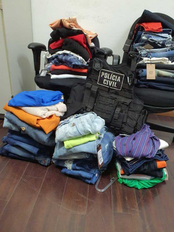 Parte das roupas furtadas foram recuperadas pela Polícia Civil – Foto: Polícia Civil Do Paraná/Divulgação/ND
