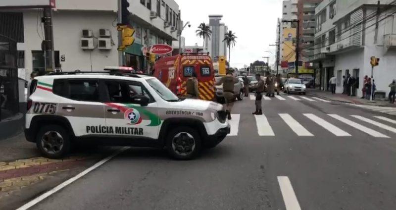 Policial foi atropelado no bairro Estreito na manhã desta segunda-feira – Foto: GMF/Reprodução
