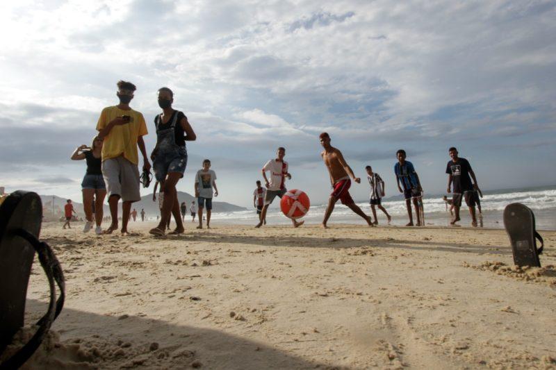Fim de semana de praias cheias indicam aquecimento do turismo no feriado em SC – Foto: Leo Munhoz/ND