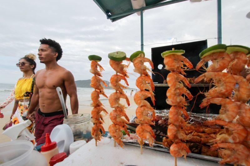 Comerciantes comemoram movimento no fim de semana nas praias de Florianópolis- Foto: Leo Munhoz/ND