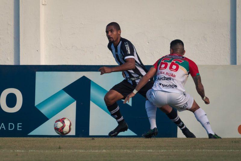 Renan Luís é um dos remanescentes da última temporada – Foto: Patrick Floriani/Figueirense/ND