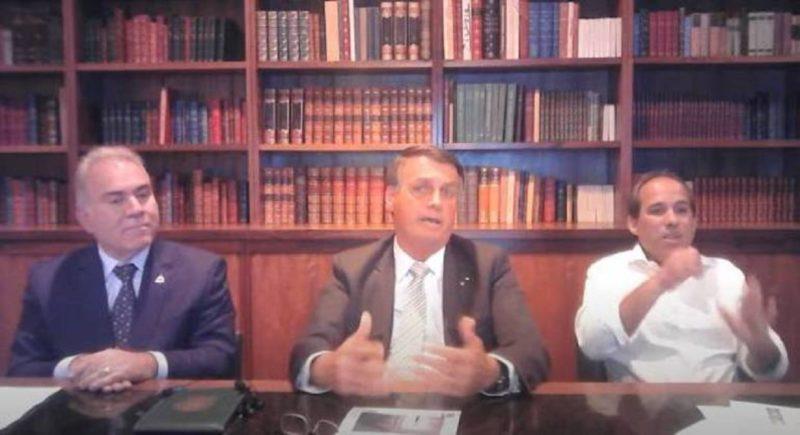 Presidente Jair Bolsonaro e ministro da Saúde durante live semanal – Foto: Reprodução