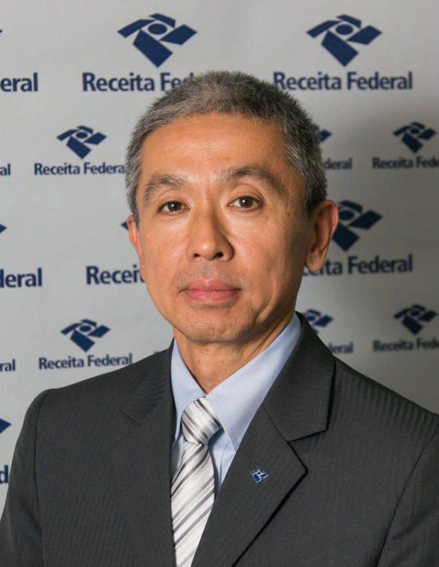 Tusyoshi Ueda, auditor-fiscal