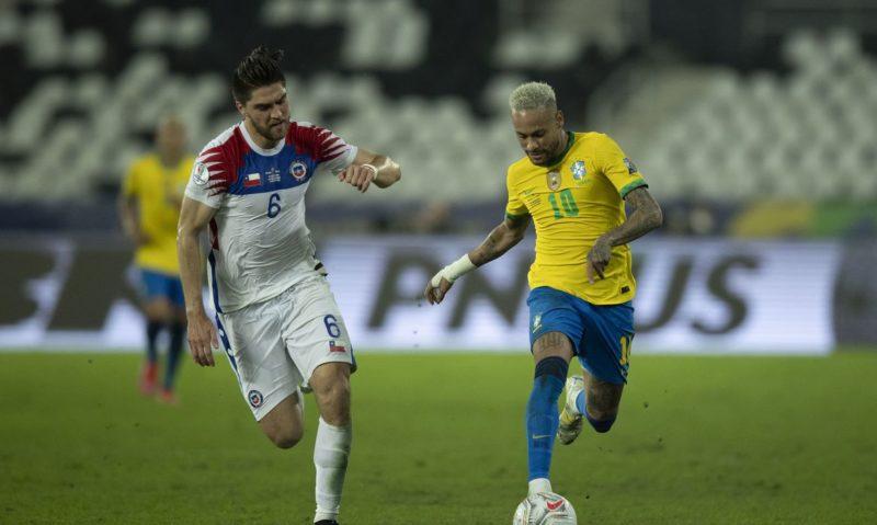 Neymar em jogo do Brasil contra o Chile