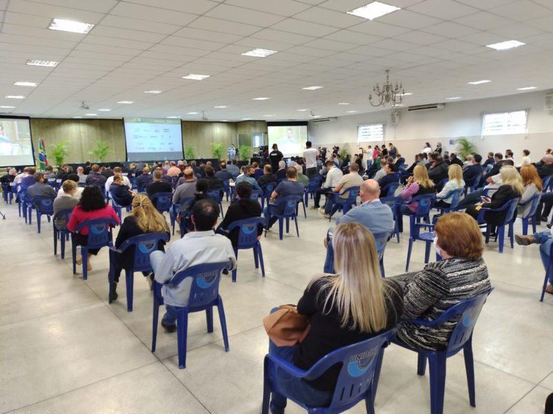 """Seminário da campanha """"SC Não Pode Parar"""" debate as necessidades urgentes da BR-470 em Rio do Sul – Foto: Paulo Muller/NDTV"""