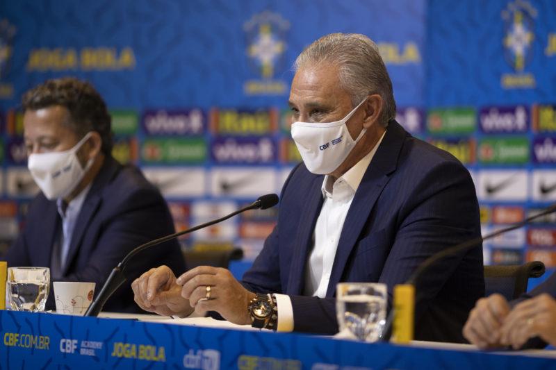 Tite durante a convocação da seleção brasileira nesta sexta-feira – Foto: Lucas Figueiredo/CBF