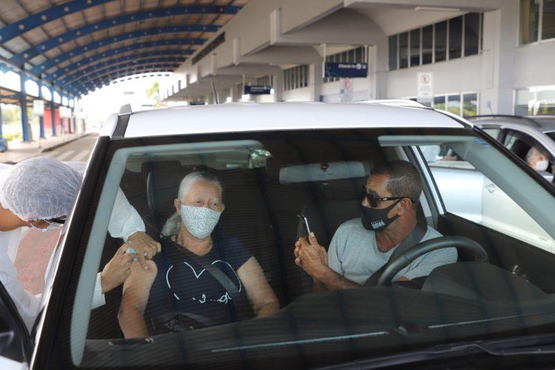 Terceira dosa está aberta para idosos a partir dos 84 anos de idade, em Florianópolis – Foto: PMF/Divulgação/ND