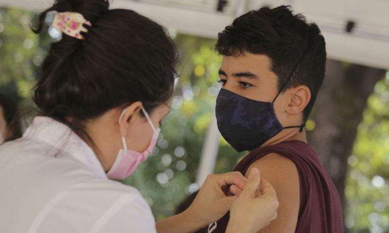 Mais de 25% dos adolescentes receberam a 1ª dose da vacina contra a Covid-19 em SC – Foto: Breno Esaki/Secretaria de Saúde do Distrito Federal/ND