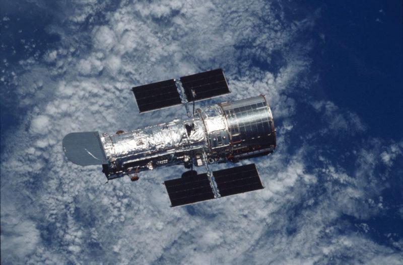 Telescópio Hubble orbitando pela Terra – Foto: Nasa/Reprodução/ND